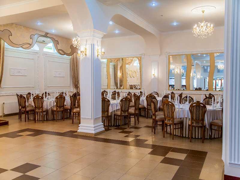 restaurant banquet hall